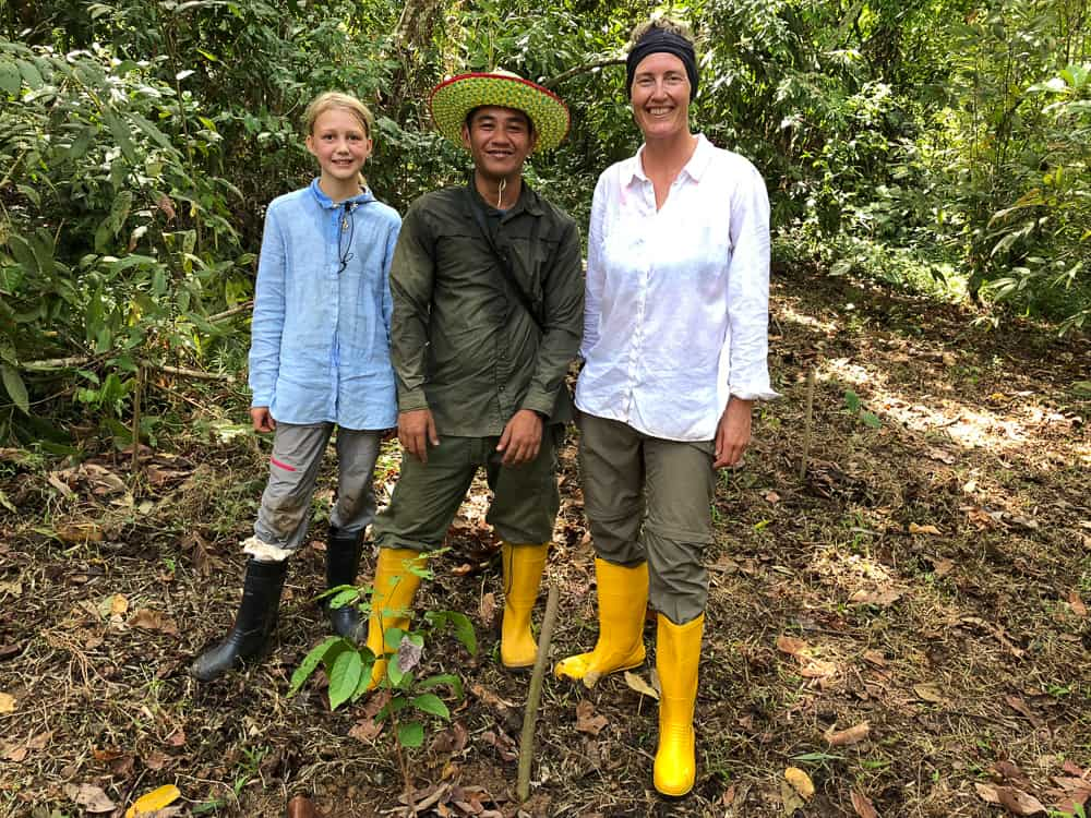 volunteers in the rainforest