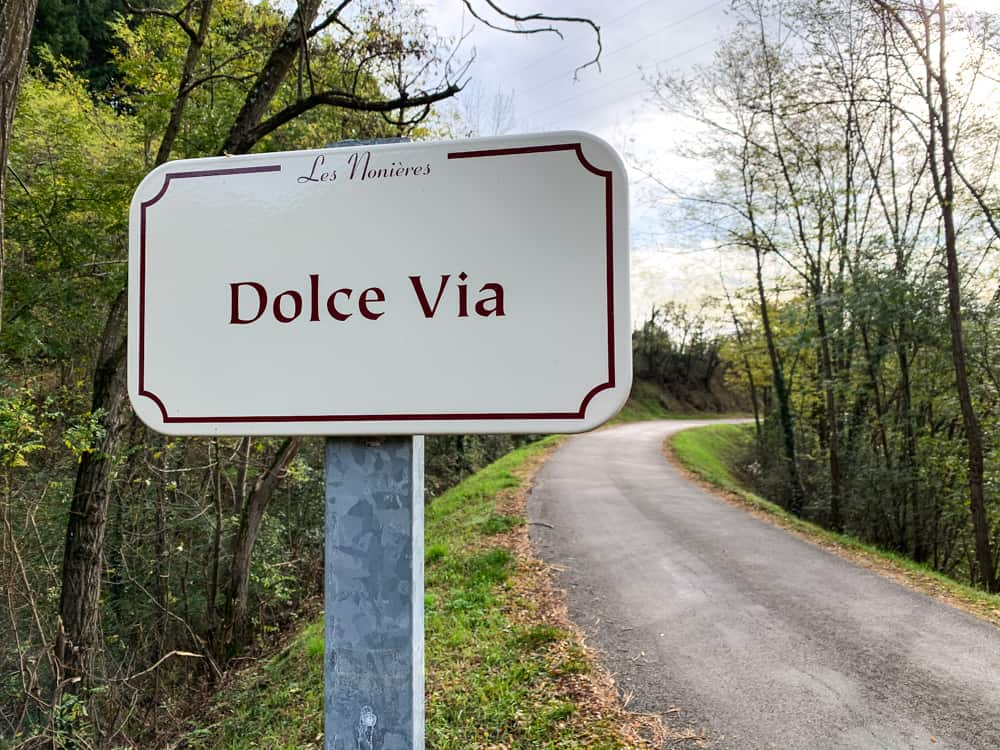 dolce via sign